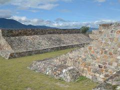 ビバ メヒコ オアハカからヤグール遺跡・トラコルーラへ行きました。