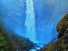 奥日光12 華厳の滝 水量4トン/秒-轟音大迫力 ☆滝は東向き/午後は逆光に