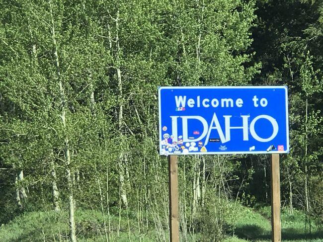 アイダホ州縦断! 北から南下した約3時間のドライブ。景色だけでも楽しい運転でした。車で旅行気分で連続写真をお楽しみください。