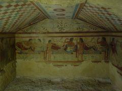 Tarquinia のエトルリア文明の遺跡。(2) 壁画がすばらしい。紀元前にこの文明。