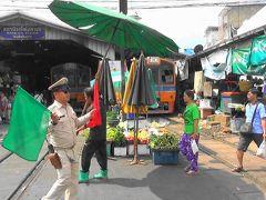 南国のローカル鉄道線にのんびり揺られてメークロン市場へ でもマハ―チャイ市場が良かった!