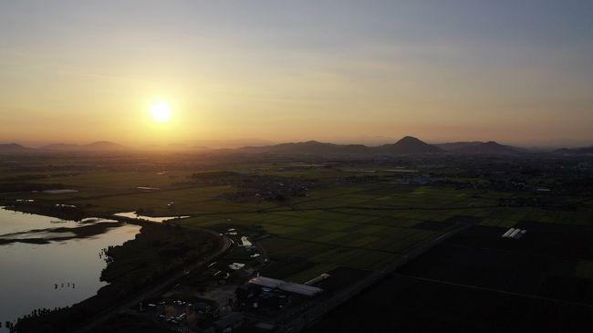 絶景・琵琶湖の夜明け