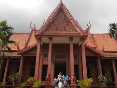 急成長するカンボジアの首都プノンペンで歴史を感じる1日