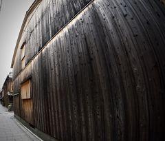 あの頃 全く見ていなかった「京の都」をもう一度「大人になってからの修学旅行リベンジ」の、はち(朝の祇園「花街」の景色/京都)