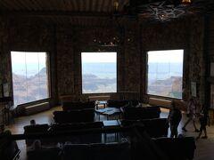 アリゾナ州 グランド キャニオン  ノースリム ー ビジターセンターには絶景のロビー