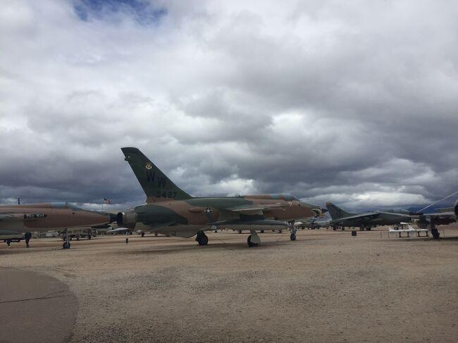 300機以上の航空機が展示される広大な世界最大級の飛行機博物館。広すぎて歩くだけでも大変。ここに行った後は他の飛行機博物館に行っても小さく見えるようになってしまいました。近くには飛行機の墓場もあり、そこも広大。2011年3月以来の2回目の訪問です。