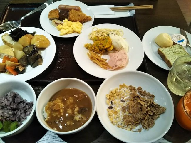11/22金曜日午後は仕事で東京に出た。<br />仕事でおつきあいのある朴さん達と東京駅近くの新丸ビルの韓国料理店、水刺間スラッカンで夕食<br />スーパー銭湯・健康ランド大好き、らくスパ1010で宿泊<br />翌朝、ホテルウイングインターナショナル新宿で朝食バイキング