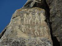 コーカサス3カ国8日間の旅(2)コブスタン遺跡、拝火教寺院を観光後、トビリシへ