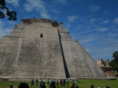 ビバ メヒコ メリダからユカタン半島で一番美しいウシュマル遺跡へ行きました。