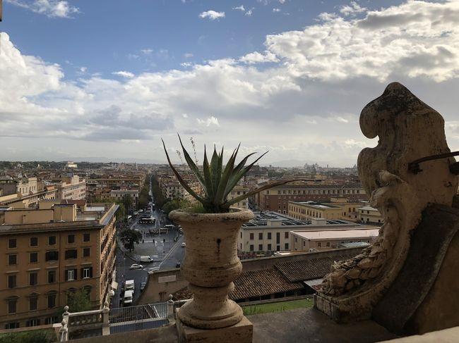 2017年の旅日記も完了していませんが、今年はイタリア一人旅に行ってきました。<br />2018年に行く予定が台風で関空沈没の為行けなかった哀しみを今回ぶつけてきました。<br /><br /><br />ローマ→フィレンツェ→ミラノの三都市、5泊7日の旅行記です。<br /><br /><br />ネットの情報に助けられたので、自分の移動にあわせて書いていきたいと思います。