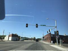 アイダホ州 アイダホ フォールズ - 街中をドライブ