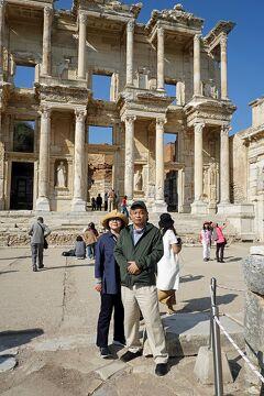 トラピックス「トルコ大周遊15日間」(25)3度目のエフェソス遺跡の変化に驚くもセルチュク名物のチョップ・シシに舌つづみ。
