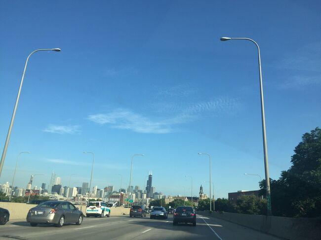 イリノイ州は全米第3位の大都会シカゴから、トウモロコシ畑の田舎まであります。ドライブの風景をお楽しみください。