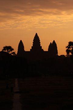 ■ カンボジア アンコール遺跡の旅 (3)アンコール・ワットのサンライズ
