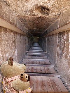 8年ぶり8度目のエジプト8日間(3)ウナス王のピラミッドで、あやうく脳しんとうに!?