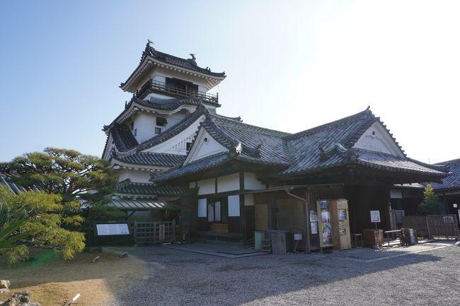 今年の年末は四国へ!<br />『四国グリーン紀行』という魔法の切符を使って、四国一周してきました。<br /><br />目的は城めぐり!<br />四国で日本100名城に選ばれているものは9つ。<br />その全てを見てきました。<br /><br />2019冬 四国グリーン紀行で行く!四国まるっと城めぐり! その1<br />https://4travel.jp/travelogue/11581096