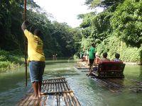 トレローニー マーサブレア川のいかだ下り(Rafting on the Martha Brae, Trelawny)