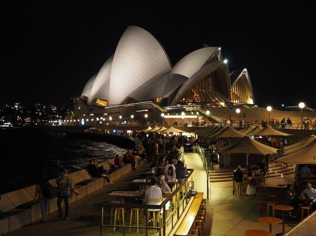 2019年のゴールデンウィークは10連休!<br />転職してカレンダー通り休めるようになって、社会人になってから初めての10連休は旅行しなくちゃもったいない!ということで友人を訪ねてオーストラリアへ行きました。<br /><br />シドニー観光&ほろ酔いワイナリー巡り編。<br /><br />期間:2019年4月28日~5月6日<br />航空会社:チャイナエアライン/TigerAir(LCC)<br /><br />▼国内移動1<br />東京(羽田)発9:00⇒大阪(関西)着10:20<br /><br />▼往路〈チャイナエアラインEco〉4/28<br />大阪(関西)発13:10⇒台北着15:10<br />台北発23:50⇒ブリスベン着10:45(+1)<br /><br />▼国内移動2&lt;TigerAir&gt;4/29<br />ブリスベン発14:55⇒シドニー着16:30<br /><br />▼国内移動3&lt;TigerAir&gt;5/1<br />シドニー発12:00⇒ゴールドコースト着13:20<br /><br />▼復路〈チャイナエアラインEco〉5/5<br />ブリスベン発22:50⇒台北着5:45(+1)<br />台北発7:25⇒名古屋着11:15<br /><br />費用<br />チャイナエアライン往復(空港税等込)¥122,200<br />TigerAir $199*2→ 一人¥16,000(くらい)<br />Radisson Blu Plaza Hotel Sydney(2泊*2) ¥42,961<br />Artique Surfers Paradise (4泊*2) ¥40,463<br /><br />1日目(4/28) 出発⇒羽田⇒関空⇒台北トランジット<br />2日目(29)  台北⇒ブリスベン⇒シドニー★<br />3日目(30)  シドニー★<br />4日目(5/1) シドニー⇒ゴールドコースト 土ボタル<br />5日目(2)  ゴールドコースト モートン島<br />6日目(3)  ゴールドコースト バイロンベイ<br />7日目(4)  ゴールドコースト コアラ<br />8日目(5)  ゴールドコースト⇒ブリスベン<br />9日目(6)  ブリスベン⇒台北⇒名古屋⇒帰路