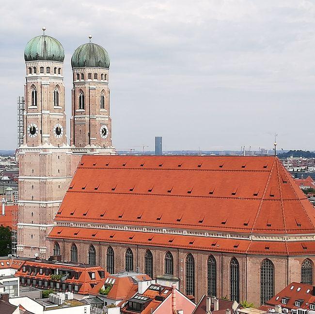 三日目は憧れのバイエリッシャーホフミュンヘンに宿泊。「クィーン」の「Crazy Little Thing Called Love」が生まれたホテルです。ミュンヘンは見どころが多く、時間が足りなかった。
