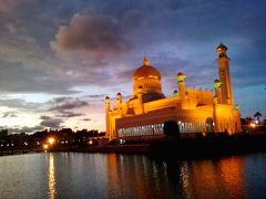 初ブルネイ!オールドモスクの美しさと荘厳さに酔いしれる…