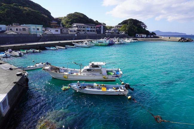高知県に3泊、愛媛県に1泊・広島に1泊のレンタカー旅をして来ました。<br />  期間は2019年12月9日(月)~2019年12月14日(土)<br />土佐清水市の&quot;ジョン万旅行券&quot;を使っての宿泊が1泊入ります。<br />皆さん良くご存知のようで<br />3種類あるふるさと旅行券はお得な物から消えて行き<br />選択肢は6,000円分が4,000円で買える!という旅行券のみ。<br />でも@2,000円、二人で4,000円も浮いたので<br />なんの文句が有りましょう(^o^)<br /><br />さて、笑われるかも知れませんが、<br />私には四国がお遍路さんの為にある場所なんて拘りがあり、<br />近い近畿に居ながらにして、進んで観光旅行に出かけられません。<br />行くとしたら必ず誰かに誘われた時にだけ付き合います。<br /><br />今回は相棒のお付き合いです。<br />とかなんとか言いながら人一倍楽しんだのは私の方で、<br />いい思い出が一杯増えました。<br />初めてみる仁淀川ブルー、柏島の海の色、<br />愛媛で宿泊した石畳の宿、<br />鞆の浦で初めて見る事が出来た朝日。<br /><br />とても、とても、いい旅でした。<br />このNo2は<br />2泊目の&quot;かんぽの宿伊野&quot;から<br />3泊目の&quot;足摺パシフィックホテル 花椿&quot;、<br />その後高知県を後にするまでの記録です。<br /><br />トップ写真は<br />高知県幡多郡大月町<br />その西南端に浮かぶ周囲約4kmの小さな島・柏島。<br />エメラルドグリーンの海が素晴らしいです。