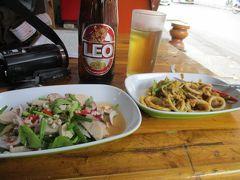 バンコク ドンムアン空港に到着したら、地元の旨い屋台食堂へ直行! バンコク市内へはタイ国鉄の鈍行列車なら5バーツ(15円)で行けます!