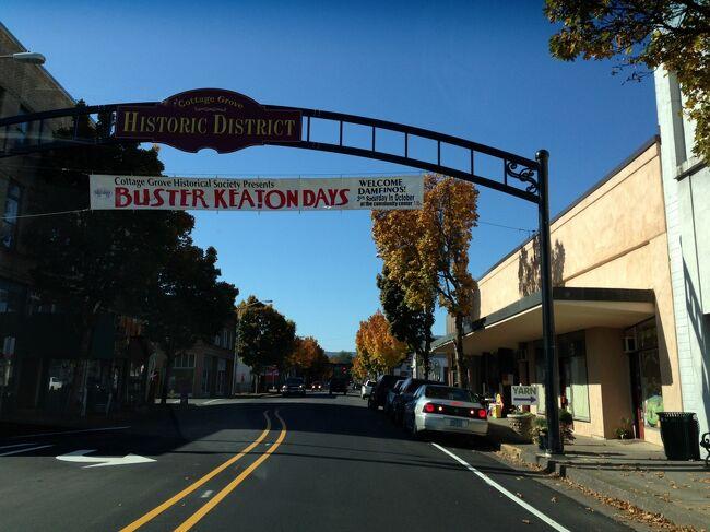 こじんまりした歴史的な街並みのコテージグローブのダウンタウンを走りました。青空で紅葉もキレイな10月に来て風景を楽しみました。