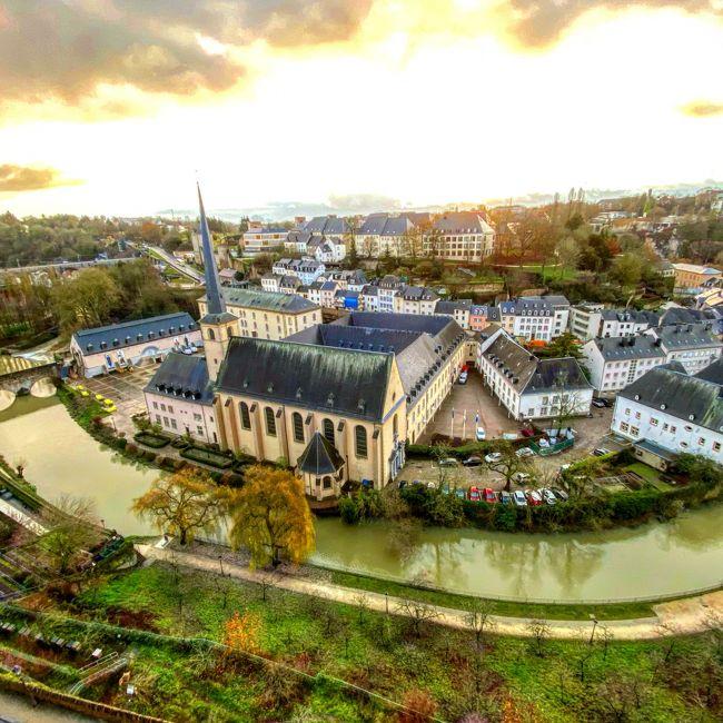 ルクセンブルク大公国に3泊しルクセンブルグ観光&amp;クリスマスマーケットと、翌日はフランスのストラスブールに出かけました。この旅行記は<br />ルクセンブルグ観光記です。
