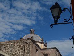ビバ メヒコ モレーリアからケレタロへ移動、市内観光をしました。
