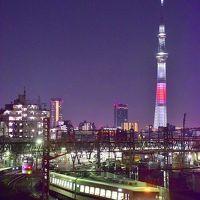 いろんな角度から眺める「新年特別ライティング」の東京スカイツリーを追いかけて
