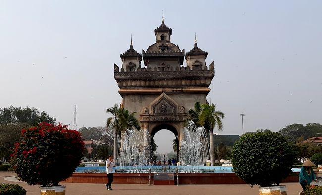 今回は約1年半ぶり 通算2度目のラオス(ビエンチャン)への訪問です。<br /><br />ラオス(ビエンチャン)への直行便がないため、タイ・バンコク経由となるので、2020年2回目のタイ旅行です。<br /><br />ラオス(ビエンチャン)では、前回同様、レンタルバイクを借りて市内+郊外をウロウロしながらの一人旅です。<br /><br />今回の旅程は以下のとおり。<br /><br />【今回の旅程】<br />■2020年2月6日(木)  <br /> 大阪(関西国際空港)⇒バンコク(ドンムアン国際空港)<br />    by エア・アジア 往復:33,070円也<br /> バンコク(スワンナプーム国際空港)⇒ラオス(ワットタイ国際空港)<br />    by タイ航空   片道:2,890B也<br /><br />□メコンホテル@ビエンチャン:5泊<br />  ※1泊朝食付:3,580円 計17,900円也<br /><br />■2020年2月11日(火)<br /> ラオス(ワットタイ国際空港)⇒バンコク(ドンムアン国際空港)<br />    by エア・アジア 片道:6,042円也<br /><br />■2020年2月12日(水)<br /> バンコク(ドンムアン国際空港)⇒大阪(関西国際空港)