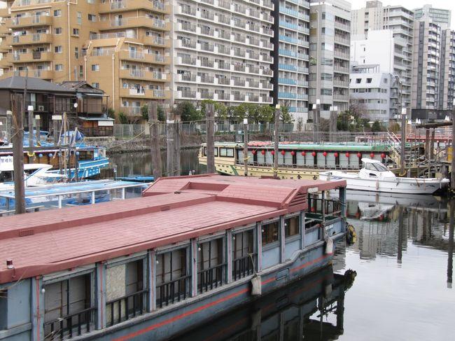 東京品川、それは新幹線の主要駅であり、羽田空港への重要なアクセスポイントでもあります。2020年は東京オリンピックで更なるインバウンドが予想される中、まもなく「高輪ゲートウェイ駅」も隣に誕生する予定で大都会のイメージが強い街です。<br /><br />しかし、主要道路から少し外れるとそこには昔から生活している地元の方々がいて商店街の営みも盛んです。旧東海道は江戸時代、海岸線だったとのこと。道路の幅が当時のままという旧東海道をひとりぷらぷらしてみました。