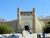 中央アジアの旅 第14日目 ウズベキスタン ブハラ観光� (シトライ・モヒ・ホサ宮殿〜タキの見学)