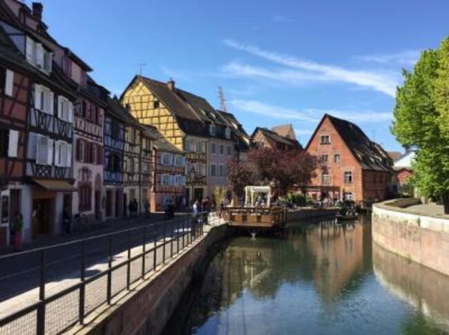 夜行列車でベルリンからスイスバーゼルに着く。1時間ほど観光後、コルマールColmarとエギスアイムEguisheim観光。アルザス地方の風景とグルメを堪能した。