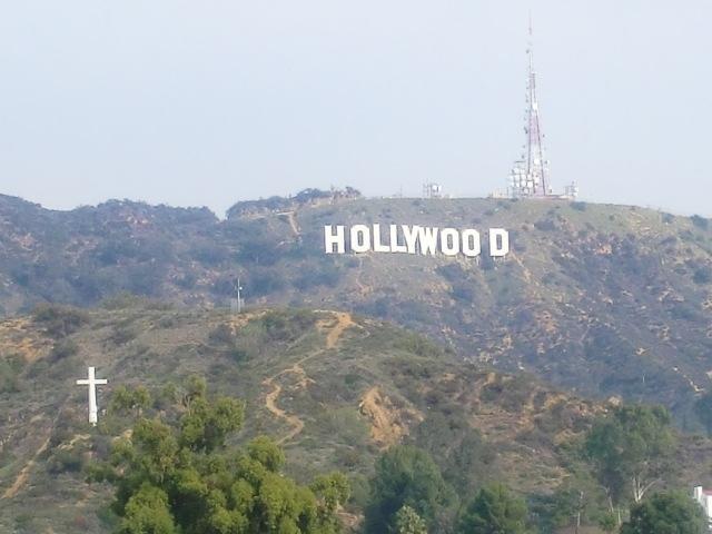 ロサンゼルスの一番の観光地といったらハリウッドではないでしょうか? 映画の町で有名なハリウッドを歩いてみました。