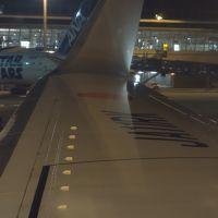 ボーイング737-800に乗りました。JTA48便。OKA-NGO 20:10発。快適な飛行でした。