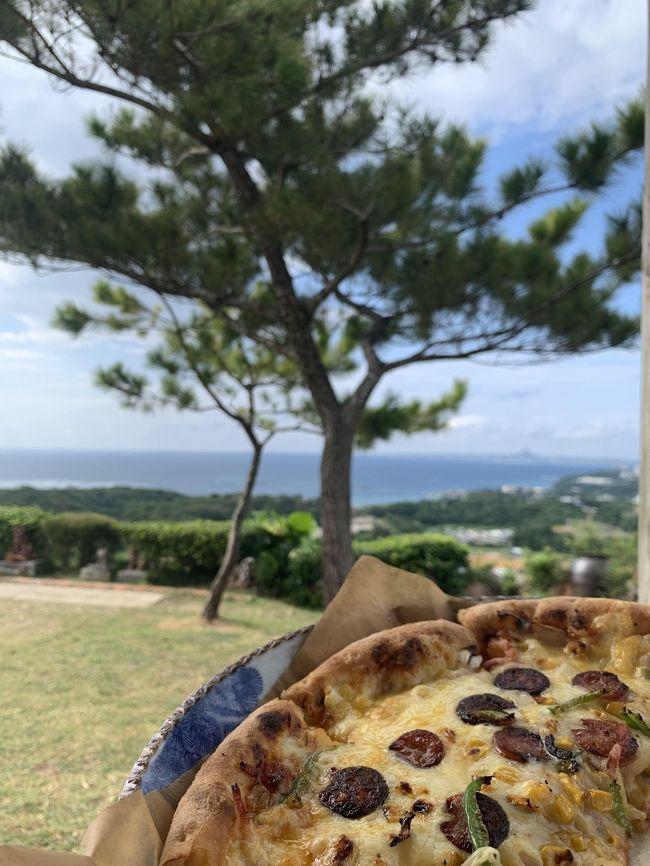 今年2回目の沖縄。<br /><br />前回のホテル沖縄マリオットリゾート&スパが良かったので今回も3泊そして最終の那覇宿泊は初めてのダブルツリーbyヒルトン那覇首里城。<br />残念ながら出発の約1週間前の火災のため首里城は見学できなくなってしましたが、今回も美味しいものを食べて綺麗な景色に癒されゆっくりと癒されたいと思います。<br /><br />3日目の今日もも天気が良さそうなので瀬底ビーチに立ち寄ってからランチは前から行きたいと思っていた花人逢でピザを食べて午後から備瀬フクギ並木を訪れてみる予定です。<br />