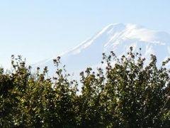 エレバンから見るアララト山は、旧約聖書の世界