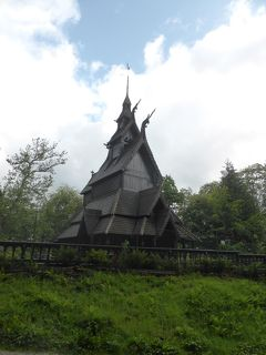 5歳娘を連れて夏休みスウェーデン・ノルウェー11日間の旅8-ベルゲンの木造教会とフロイエン山