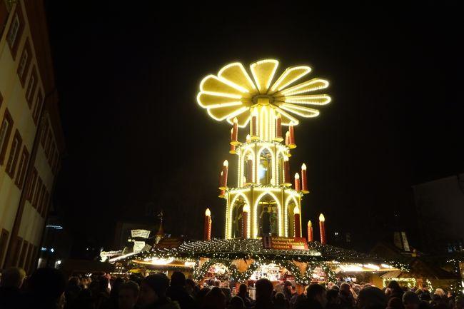 憧れだったドイツのクリスマスマーケットへ行ってきました。<br />きらきらとしたライトや可愛いマーケットに感激!<br />ソーセージやホットワインも美味しかった。<br /><br />12月4日 羽田発 NH223でフランクフルトへ。<br />12月4日~7日 ハイルベルク  泊<br />12月7日~10日 ストラスブール → シュツッツガルト 泊(フランスのストで変更)<br />12月10日~11日 シュツッツガルト 泊<br />12月10日~12日 ローデンブルグ 泊<br />12月12日~14日 ニュルンベルグ 泊<br />12月14日 フランクフルト 泊<br />12月15日 フランクフルト発 NH224で羽田へ<br />12月16日 羽田着