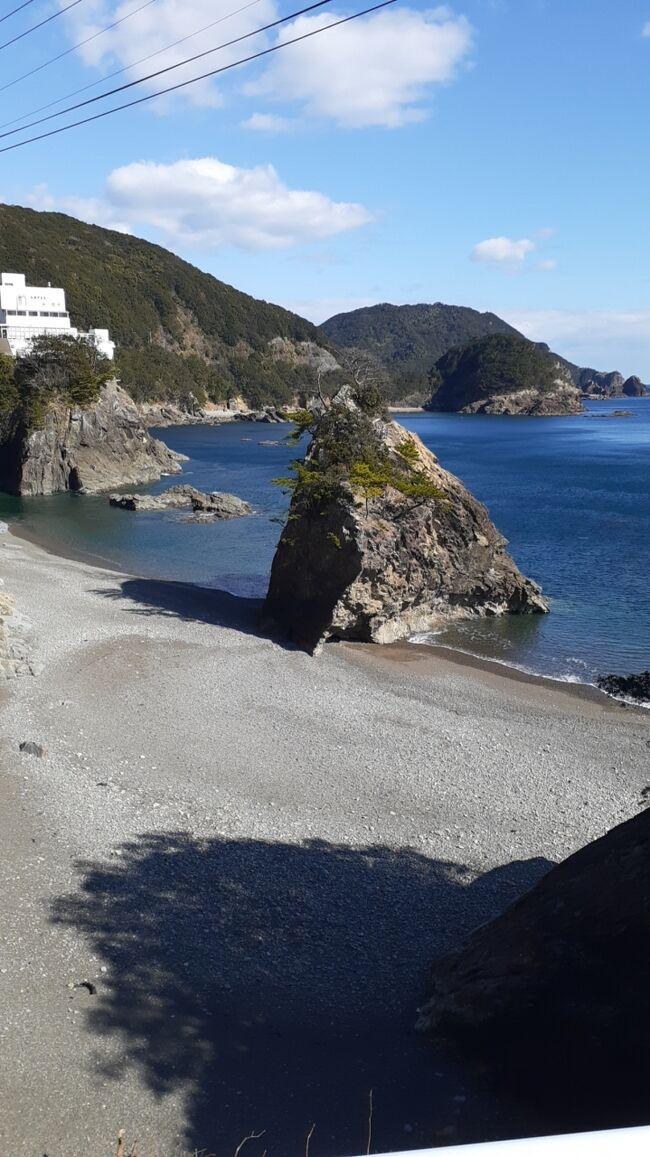 ご覧戴きましてありがとうございます。<br /> 2020年2月8日から2020年2月11日までの4日間、「四国たびきっぷ」という割引切符を利用して徳島県・高知県の両県を中心に四国内を旅してきました。<br /> 6話完結での公開を予定しており、前回のパート1では1日目の行程の全て、具体的には①徳島までの移動の様子②途中で立ち寄った高松でランチを頂いた時の様子、③徳島市の南隣に位置する小松島市内を散策した時の様子等をご覧戴きました。<br /> 今回のパート2では2日目の行程の全て、具体的には①徳島市内を流れる新町川という川沿いを散策した時の様子、②徳島県南部に位置する美馬市日和佐地区を散策した時の様子等を紹介させて頂きます。