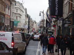 London(2.7) Oxfors Street をぶらぶら。銀ブラみたいなものです。