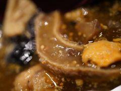 20200212-1 豊洲 高はしさん、友人はお昼ごはん、わたしは昼酒…刺盛、あんこう煮、やわらか煮マーク2