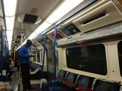 London(6.1) Underground Piccadilly Line で Heathrow Airport へ。2.80 ポンド。