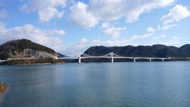 JRの青春18切符と近江鉄道・山陽電鉄の1日フリーパスを使って、6泊7日の旅をしてきました。<br /><br /> 近江八幡に2泊、姫路に3泊、掛川に1泊の行程を組みました。<br /> <br /> 今回の旅行記は、近江八幡から次の拠点の姫路への移動日に、姫路から更に足を伸ばして向かった瀬戸内海の港町岡山県の日生(ひなせ)の様子をお伝えしたいと思います。