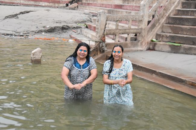 タージマハルへ行く旅 vol.4  沐浴と祈りの街ワーラーナーシー・ ガンジス河の沐浴とサルナート ~ インド