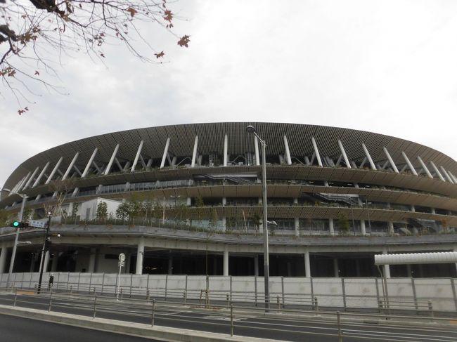 ワールドカップの決勝戦以来、約4カ月ぶりのラグビー観戦で秩父宮へ。<br />朝9時にチケット引換を済ませて試合まで2時間半をどう過ごすか?せっかく来たので、新国立競技場を見よう!そして、二十数年ぶりに訪れましたラーメンの名店ホープ軒。その後、日本オリンピックミュージアムと堪能して、秩父宮ラグビー場へ。<br />天気も良く、トップリーグの2試合を楽しく観戦しました。<br />