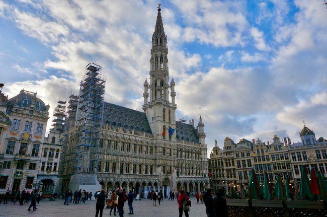 今年の初旅はリフレッシュ休暇を利用していつもの一人旅。そういえば昨年はヨーロッパに行ってなかったとふと思い、いつものキャセイでアムステルダムと日帰りブリュッセルへ行ってきました。アムステルダムでは世界遺産のシンゲル運河内の17世紀の環状運河地区とアムステルダム国立美術館、ブリュッセルではグランプラスとその周辺(雑な説明ですが)をまわりました。<br />当初は10:35発のCX501便を予約していましたが、新型コロナ(COVID-19)の影響で出発の6日前にキャセイからスケジュール変更の連絡があり9:00発のCX509便に振替となりました。結果、香港の滞在時間が半日以上になったので、止む無く香港にも入国して美味しいご飯をいただきました。<br /><br />この旅行記はアムステルダムからブリュッセルへの駆け足な日帰り編です。<br /><br />【旅程】<br />□2月19日(1日目) 成田~香港<br />□2月20日(2日目) 香港~アムステルダム<br />■2月21日(3日目) アムステルダム~ブリュッセル~アムステルダム<br />□2月22日(4日目) アムステルダム~香港<br />□2月23日(5日目) 香港~成田<br /><br />【フライト】<br />2月19日 CX509 NRT 9:00  HKG 13:25  A350-900  44K<br />2月20日 CX271 HKG  0:50 AMS  6:20  A350-1000 60A<br />2月22日 CX270 AMS  12:25 HKG  6:45  A350-1000 60K<br />2月23日 CX504 HKG 9:05  NRT 14:10  A330-300 40A