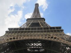 2019Primavera Biglietti premio #4Tour Eiffel et Montmartre エッフェル塔を見上げる