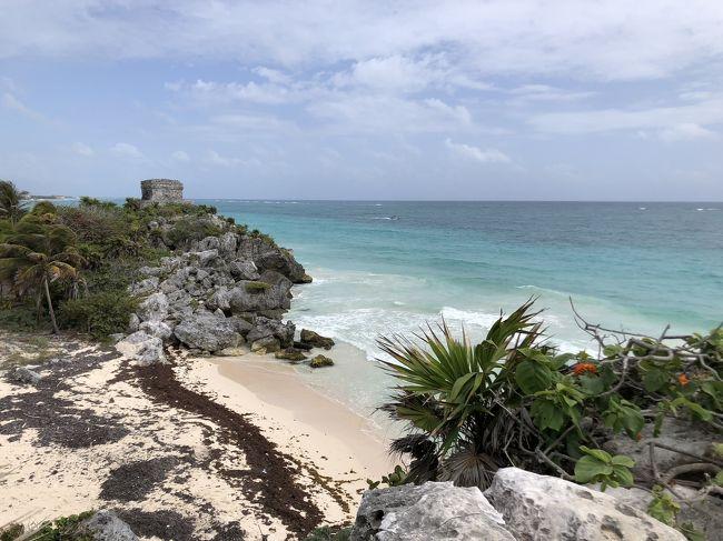 ツアー3日目 カンカンから 130kmほど南、<br />カリブ海を望む断崖にたたずむ トゥルム遺跡の観光。<br /><br />お天気は 曇り時々晴れ、<br />ここは、陽射しを遮るところが 少なく 暑いです。<br />曇っているから まだ 暑さは ましですが<br />写真を撮るには 晴れの方が good,<br />
